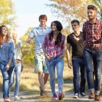 セゾンブルー・アメックスが学生に人気な4つの理由!年会費を無料にする方法や海外旅行保険を解説。